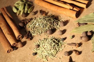 Лавровый лист и семена льна